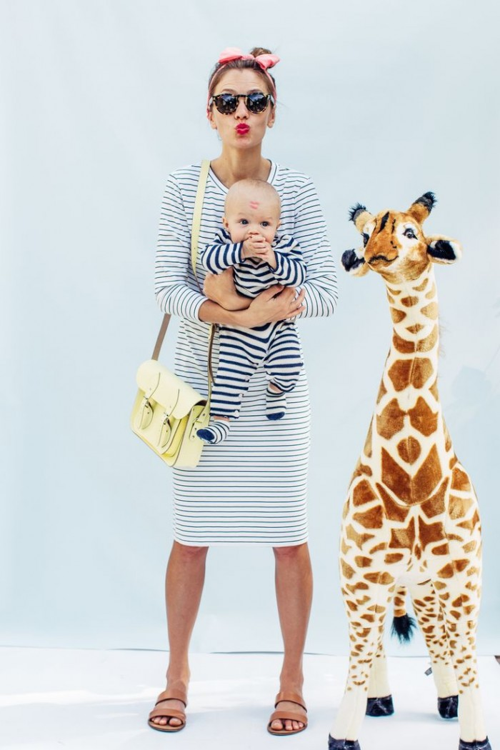 Mom,Baby,Giraffe