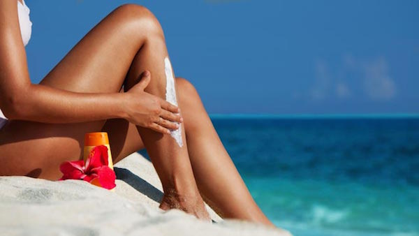 Summer-Travel-Tips-sun-screen-lotion-2