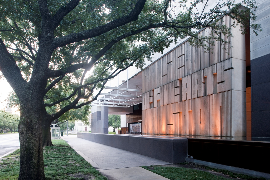 Mfah cafe brings a touch of italy to houston culture for Jones architecture