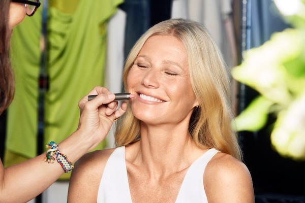 Gwyneth-Paltrow-Juice-beauty-Demo_jl_012716