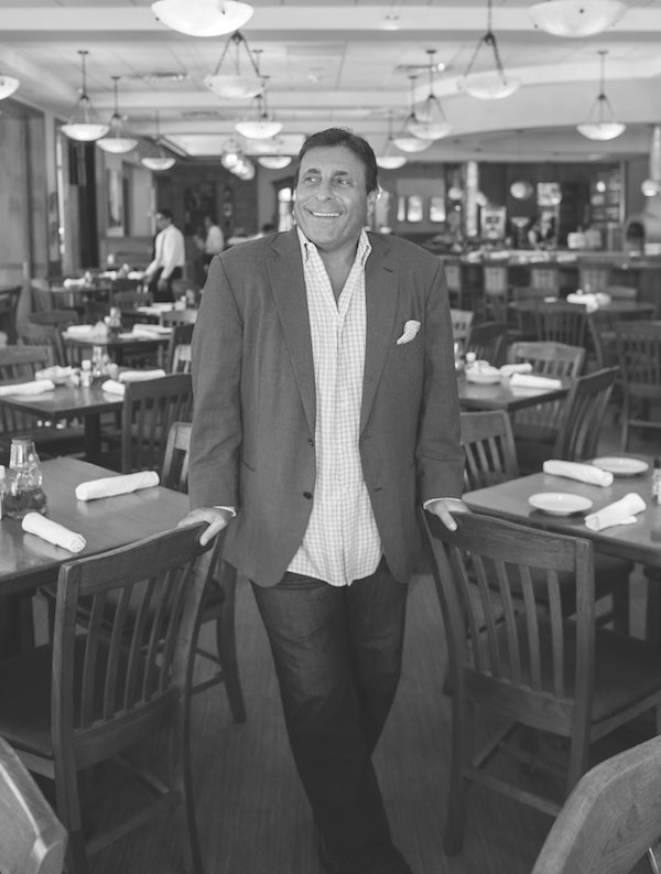 _make-b_w-600-johnnycarrabbabluekirby-7111