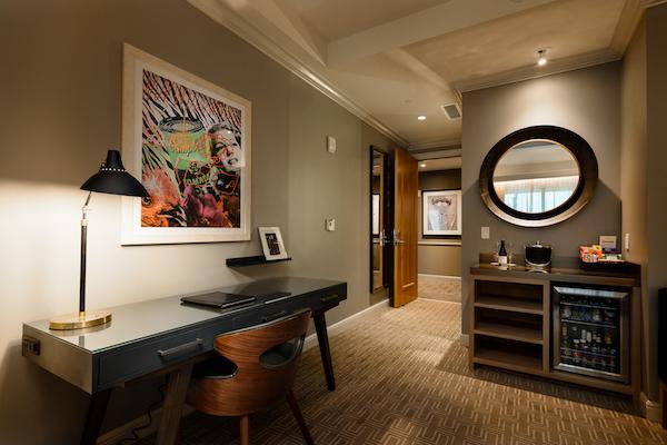 *Hotel ZaZa Memorial City Guest Room_Image